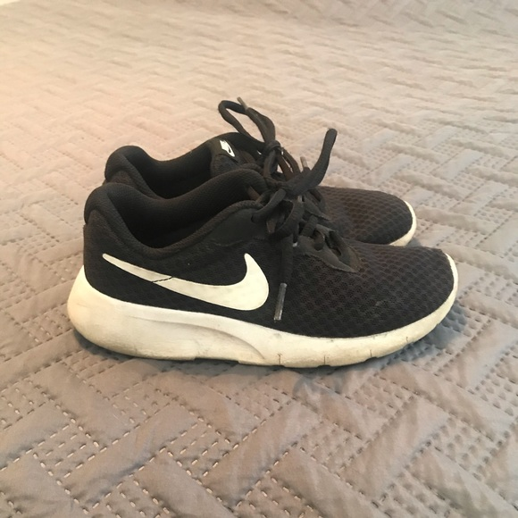Nike Shoes   Boys Sneakers Size 1 12